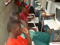Schüler der Dr. Didas School