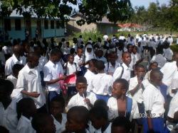 Versammlung im Schulhof