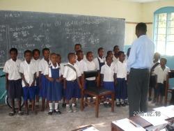 Die Schulkinder singen ein Lied