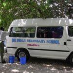 Schulbus der Dr. Didas Secondary School